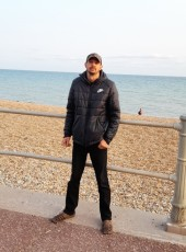 JURIS, 40, United Kingdom, Hastings