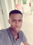 Joël, 23  , Yamoussoukro