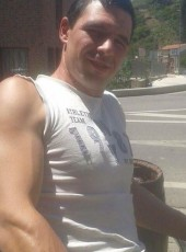 Vali, 29, Spain, Bilbao