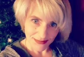 Lena, 43 - Just Me