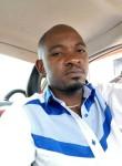 John kas, 35  , Kinshasa