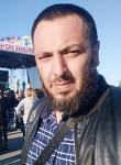 Umar, 34  , Langepas