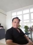 Dung, 48  , Hanoi