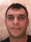 Andrej , 46  , Izhevsk