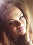 Paige , 26  , Silverdale