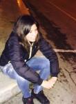 Anna, 22  , Bari