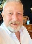 Jean François, 63  , Paris