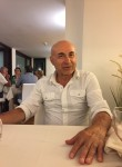 Roberto, 58  , Milano
