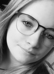 Camille, 19  , Octeville