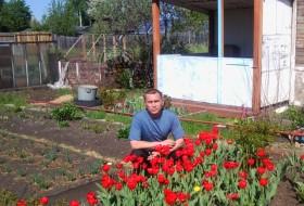 Pavel, 51 - Just Me