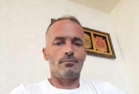Nuredin, 41 - Just Me