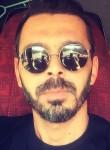 Taner, 34  , Cine