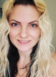 Evija, 31  , Preston