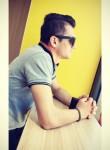 Emiliano, 23  , Calenzano