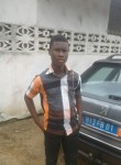 yanoski, 18  , Abidjan