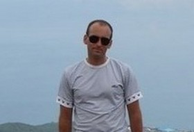 Viktor, 44 - Just Me