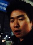 성우, 32  , Seoul