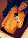Enzo, 18  , Lannion