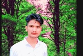 Firaj, 18 - Just Me