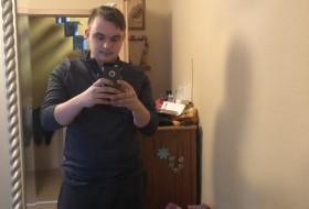 Lars97, 23 - Just Me