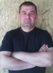 Viktor, 46  , Singerei