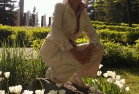 Munira, 56 - Just Me