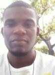 Yunior, 18  , Santo Domingo