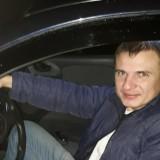 Andrey , 33  , Lviv