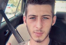 Wesam, 22 - Just Me