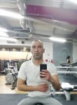 Tiago, 28, Lisbon