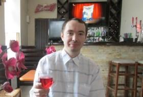 Vladimir, 35 - Just Me