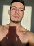 Emiliano , 28  , Tracy