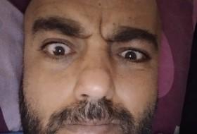 Rami, 34 - Just Me