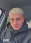 Lucas, 20, Paris