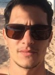 Léo, 26  , Algiers