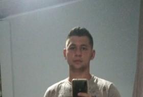 Lucas, 21 - Just Me