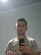 Lucas, 21, Brazil, Catanduva