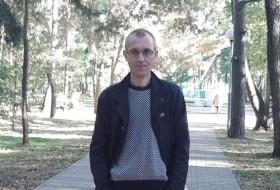 Igor, 39 - Just Me