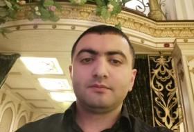 Makhin, 35 - Just Me