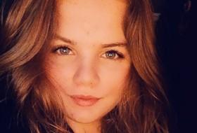 Evgeniya, 18 - Just Me