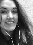 Yvelise, 20  , Mehun-sur-Yevre