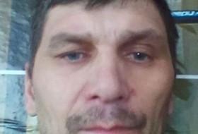 Dmitri, 45 - Just Me