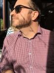 Matt, 32, Melbourne