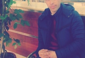 Andrei, 36 - Just Me
