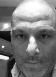 Henrique, 46  , Creteil