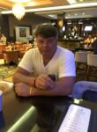 Viktor , 48  , Backnang