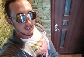 Vladimir, 26 - Just Me