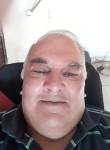 Julian, 70  , Castelli