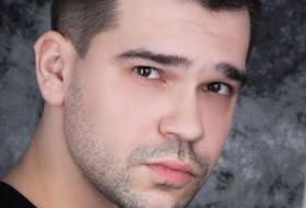 Yuriy , 29 - Just Me