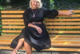 Elina, 51 - Just Me